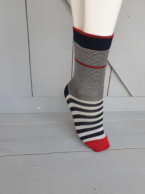 Chaussettes Fantaisie - Berthe aux grands pieds - Rayures 0